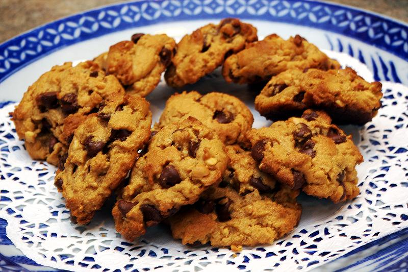 peanut butter chocolate chip cookies are gluten-free and flourless ...