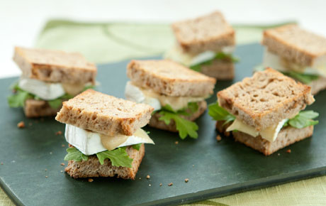 Mini Brie And Arugula Sandwiches With Apple Mustard Tiny