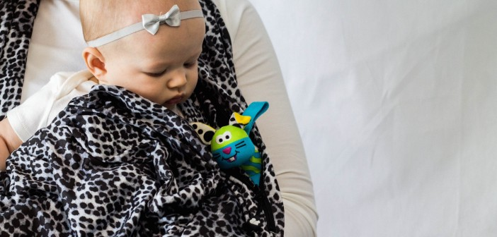 SHOLDIT Pocketed Nursing Scarf Animal Print w Baby